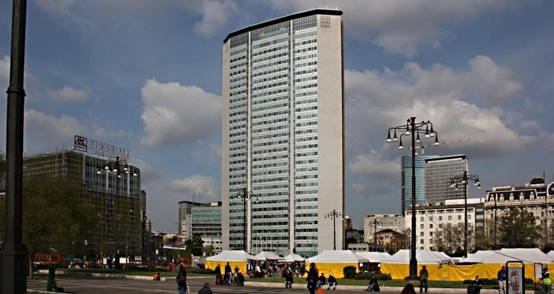 Mrakodrap Pirelli v Miláně. Snímek Ulf Liljankosi, kolem 2013
