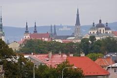 Panorama centra Olomouce, pohled z parkoviště před Fakultní nemocnicí. Snímek Rostislav Švácha, 2012